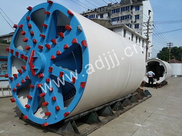 TPN2400泥水平衡ding管机