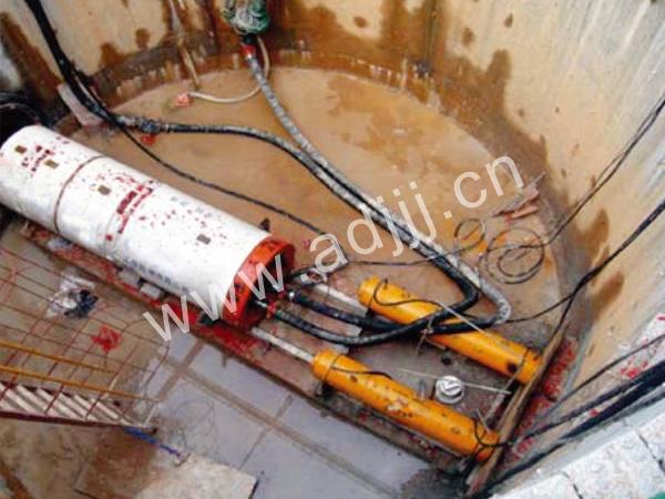 深圳TPN900圆xinggongzuo井顶管shigong现场